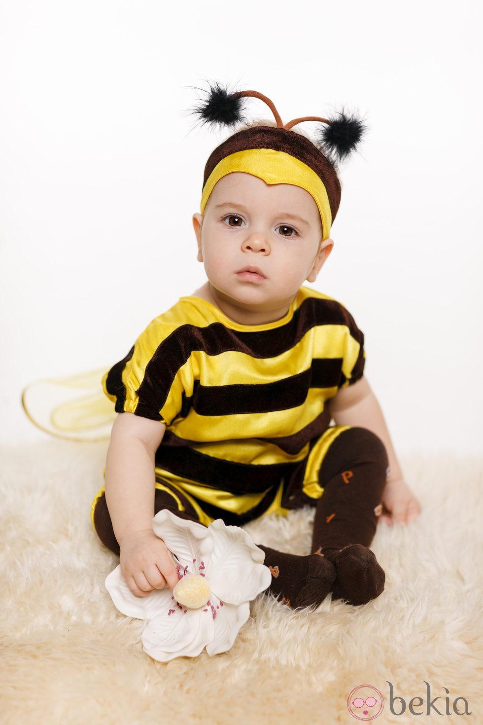 Disfraz casero de mariquita para niña hecho con un tutú
