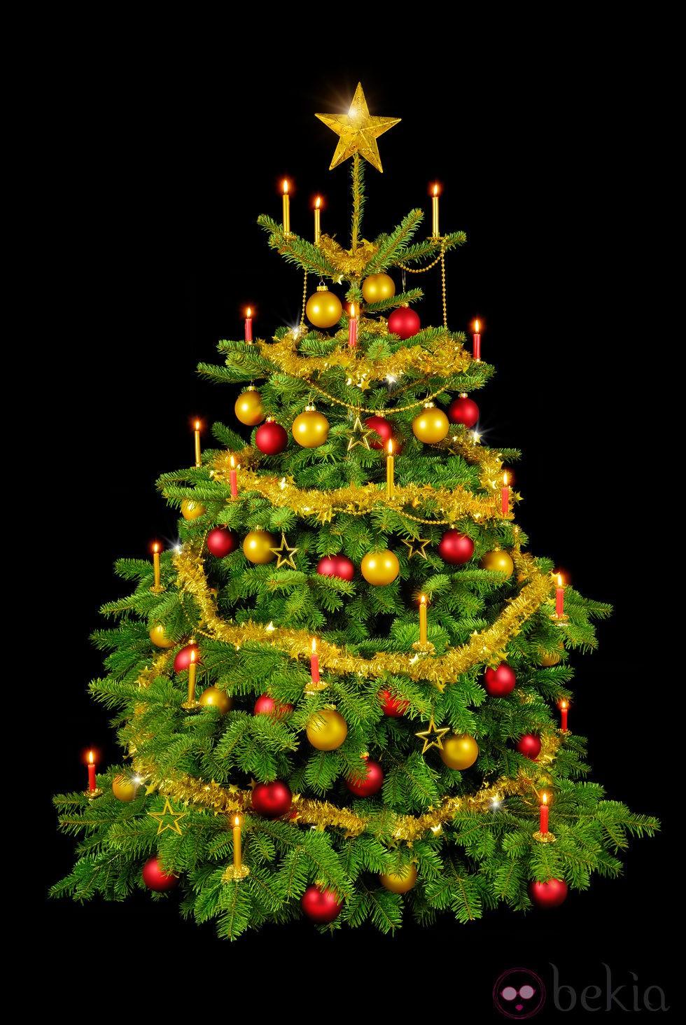 Rbol de navidad decorado con adornos dorados y rojos - Cintas arbol navidad ...